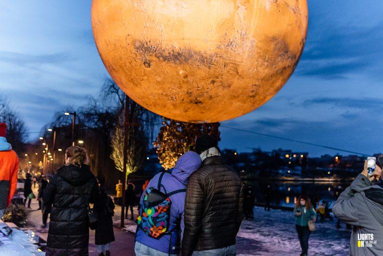 Mars - Luke Jerram - Iulius Park