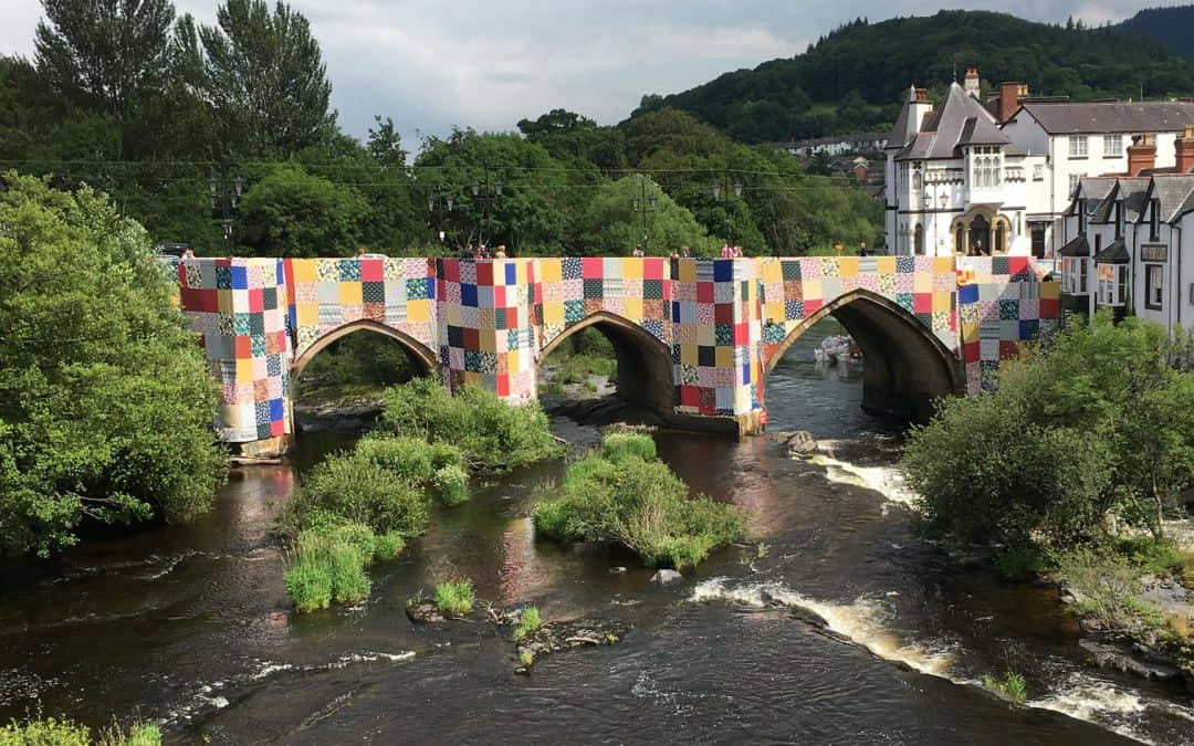 Arta contemporană: de la ziduri, la poduri